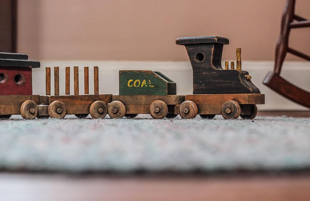 История на дървените играчки